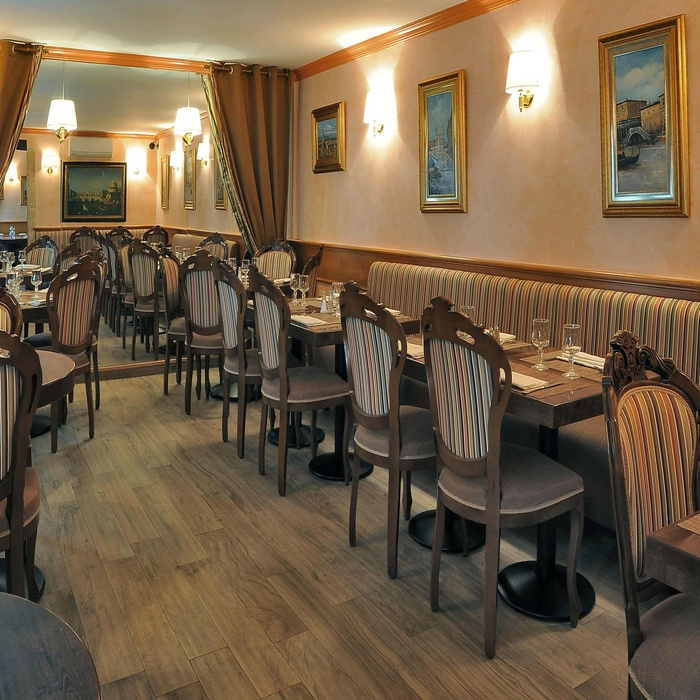 Restyling des Restaurants Visconti  1073